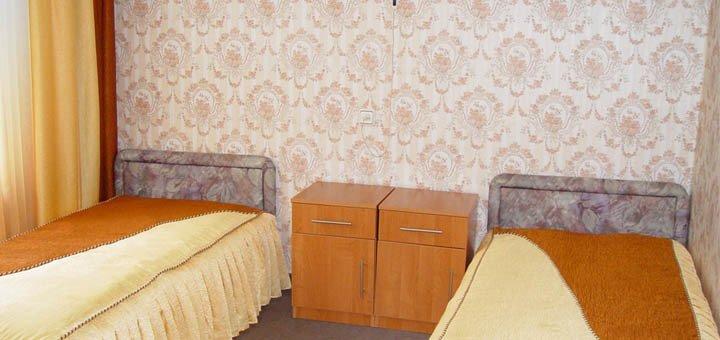 От 12 дней отдыха и оздоровления с питанием и лечением в санатории «Хмельник» в Винницкой области