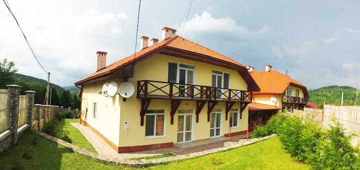 От 3 дней отдыха в коттеджном комплексе «ТаунХаус Панорама» в Поляне