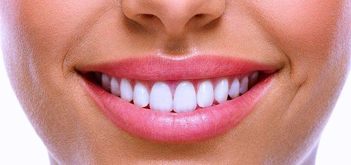 Скидка 30% на чистку зубов в стоматологической клинике «Сапфир»