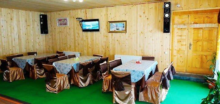 До 8 дней отдыха с питанием для двоих или четверых человек в отельно-ресторанном комплексе «Крым» в Яремче