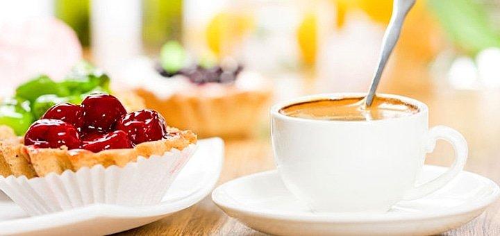 Уголок сладкого уюта в центре! Скидка 50% на все меню кухни и бара в новом кафе «Эклер»!