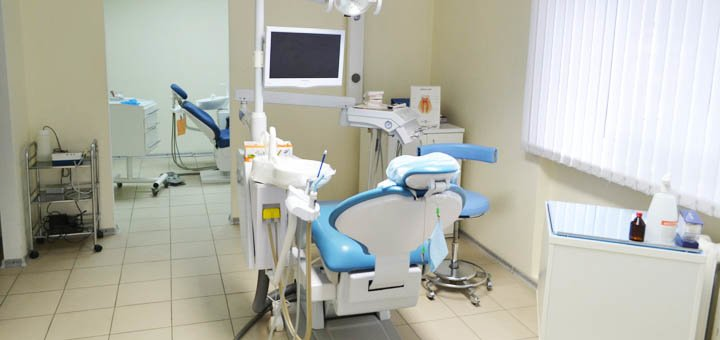 Комплексное отбеливание зубов системой Opalescence Boost в стоматологической клинике «Dental-Club»