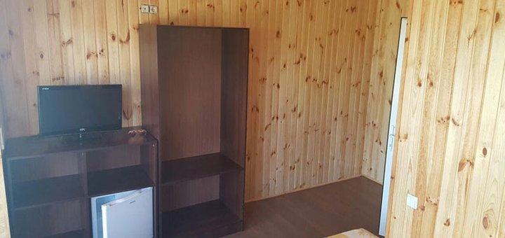 От 4-х дней отдыха в коттедже отеля «Лазурный берег 2» на берегу озера в Коблево