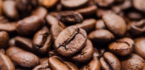 Coffee-beans-free-license-cc0-700x346