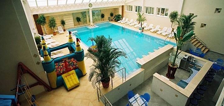 3 дня отдыха в бархатный сезон для двоих в четырехзвездочном отеле «Морской» в Одессе
