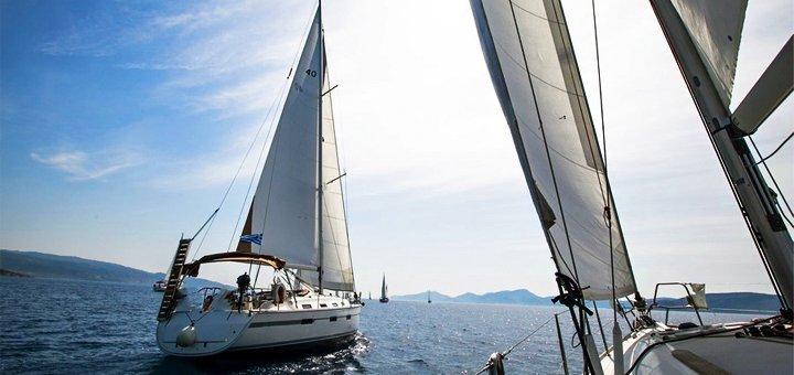 Скидка 90% на двухчасовую прогулку на яхте для компании до 8 человек от «Кайт Серф Зона»