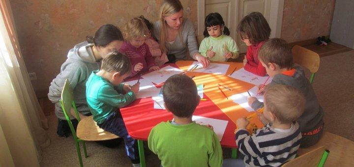 До 3 месяцев с питанием для вашего ребенка в частном детском саду «Абрикос»