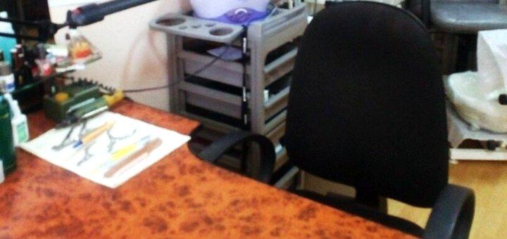 Комбинированный маникюр и педикюр с уходом для рук и ног в кабинете красоты «50/50»