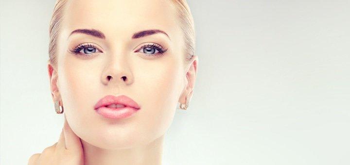 Скидка 32% на комбинированный поверхностный пилинг в студии красоты «Victoria»