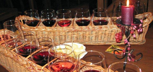 Только в эту субботу (23.12.2017) дегустация вин для двоих в «LaZika» с лучшим сомелье