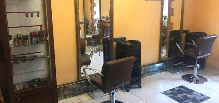 Кератинування волосся, стрижка, укладка та масаж голови в салоні краси «Турандот»