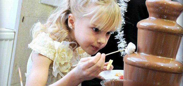 Шоколадный фонтан и латте при заказе детского праздника в кафе «Багеттерия»