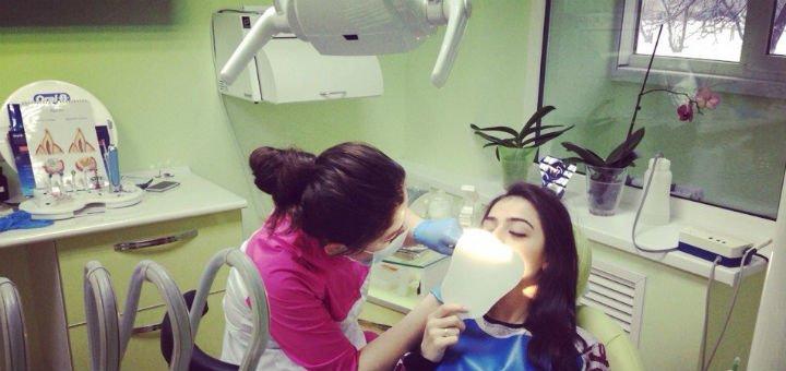 Скидка до 69% на фотоотбеливание и снятие гиперчувствительности зубов в клинике «L-Stom»