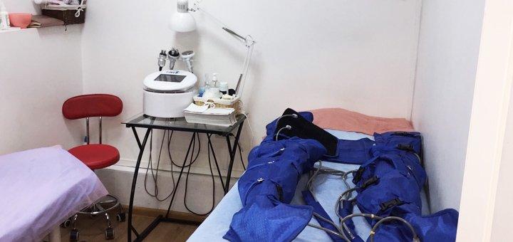 До 10 сеансов кавитации и прессотерапии с антицеллюлитным обертыванием в салоне красоты «Марафет»
