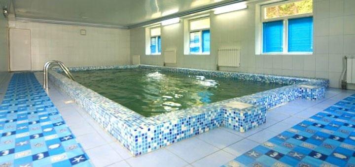 От 3 дней горнолыжного отдыха с питанием и крытым бассейном в отеле «Натали» в Славском
