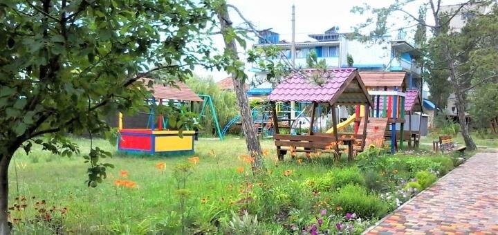 От 3 дней в июне на базе отдыха «Салют» в Коблево