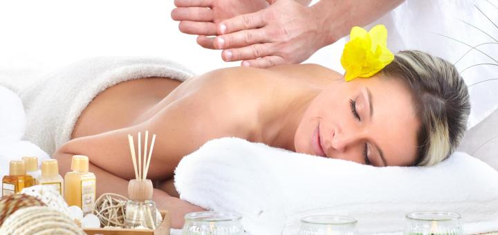 До 7 сеансов лечебного массажа спины и шеи в массажном салоне «Calma Dentro»