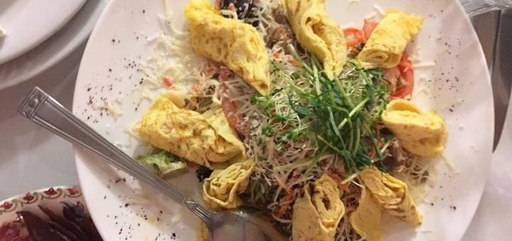 Скидка 50% на все меню кухни, настойки, домашнее вино и чай в ресторане «Горец Паб»
