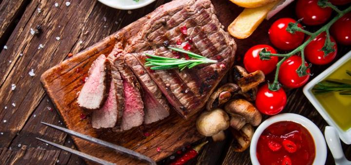 Скидка 50% на все меню кухни в кафе-баре «Renaissance»