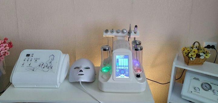 Скидка до 70% на микротоковую терапию лица и шеи в студии коррекции фигуры