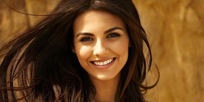 Скидка 49% на отбеливание зубов системой «Magic Smile» в сети клиник «Giorno Dentale»