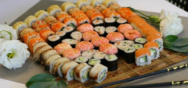 Скидка 50% на двухкилограммовый «Мега-сет» от магазина-ресторана японской кухни «Суши WOK»