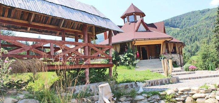 От 3 дней отдыха в отеле «Горянин» в Пилипце возле подъемника