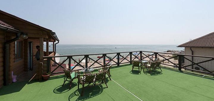 От 3 дней отдыха в сентябре в номере люкс отеля «Вилла Ялита» в Бердянске на берегу моря