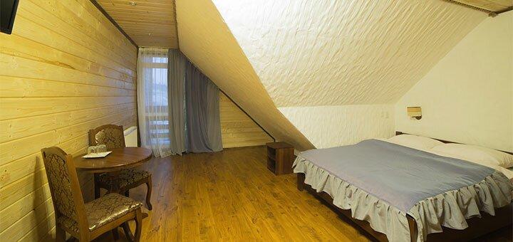 От 3 дней отдыха в отеле с бассейном «PolyanytSki» в Буковеле