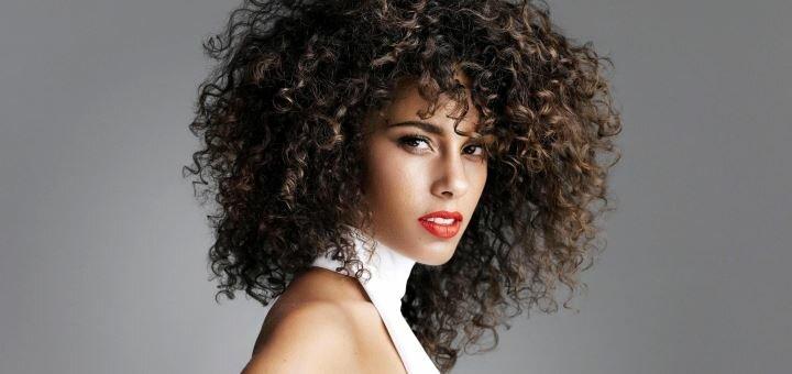Трендовая прическа сезона «Афрокудри» в салоне красоты «BeautyPROstudio»