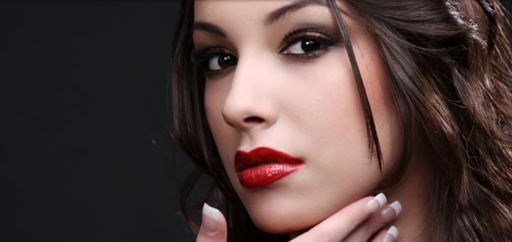 Скидка 50% на увеличение губ в студии красоты «Cosmo Look»