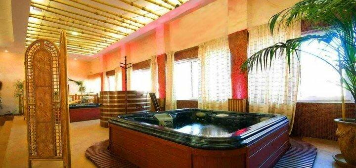 Целый день отдыха для двоих в SPA-центре с бассейном, джакузи и пляжем «Aqua Paradise»