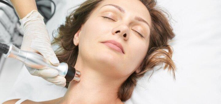 До 3 сеансов микротоковой терапии с LED-маской в косметологическом кабинете Алены Рай