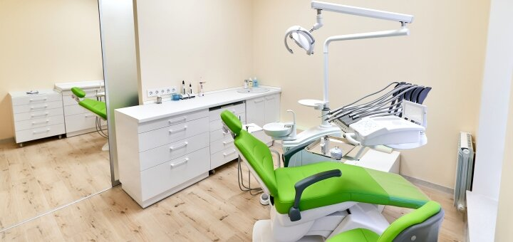 Ультразвуковая чистка зубов, Air-Flow и фторирование в клинике «Harmony Dental Clinic»