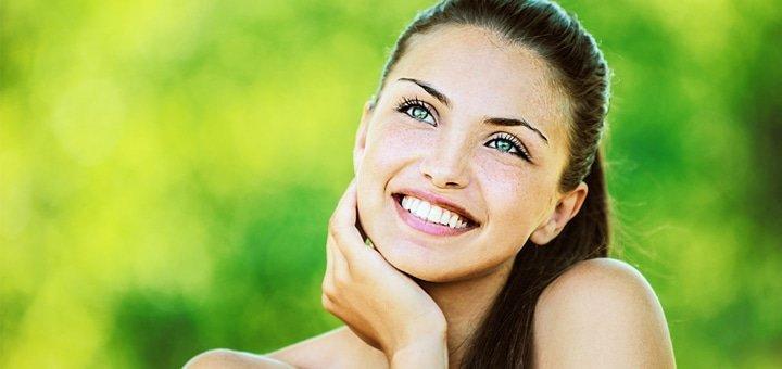 Профессиональное фотоотбеливание и чистка зубов для одного или двоих  в стоматологической клинике «Правильный выбор»